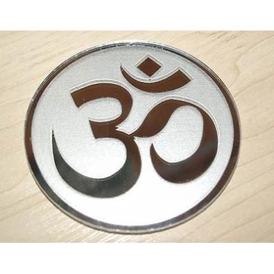 Znak OM - talizman/amulet ochronny (na lustrze)