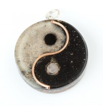 """YIN YANG"" Amulet orgonitowy (wisior)"
