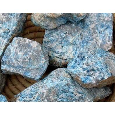 Apatyt niebieski (bryłka naturalna)