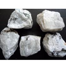 Kamień Księżycowy - I KLASA (bryłka srebrzystobiała)